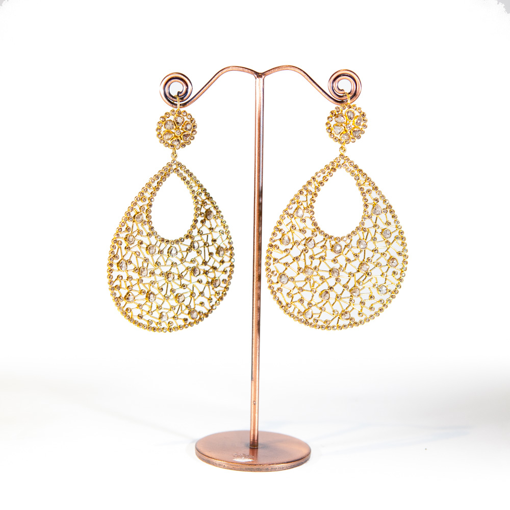 Boucles d\'oreilles en or jaune 18K et diamants